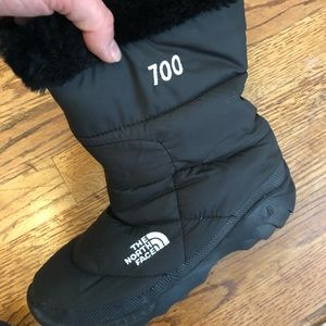 The North Face 700 boots